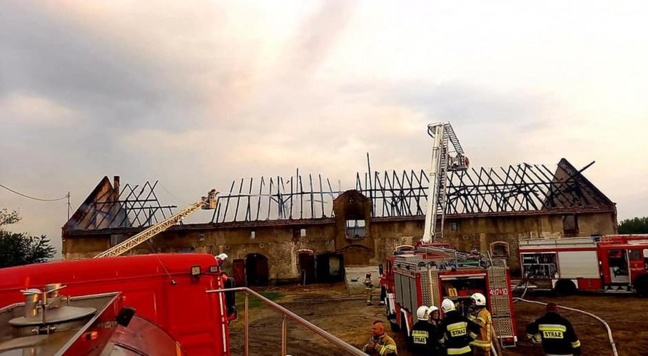 Płonął budynek inwentarski ze zwierzętami