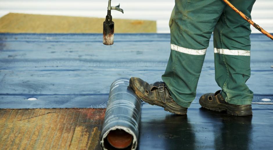 Wykonanie papy na pełnym deskowaniu droższe od membran dachowych?