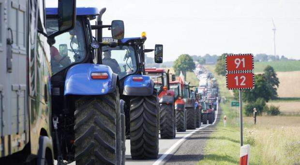 Rolnicy blokujący drogi w kilku województwach kończą protest