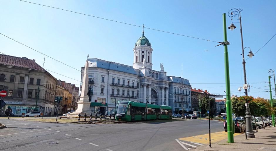 Centrum miasta Arad będącego naszą bazą wypadową, fot. Art Tłustochowicz