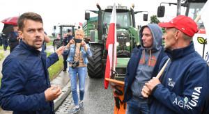 Drugi dzień protestu rolników na drodze krajowej nr 12