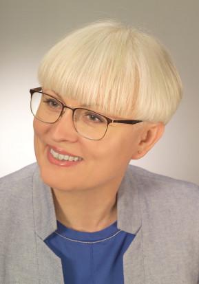 Dr Anna Watros