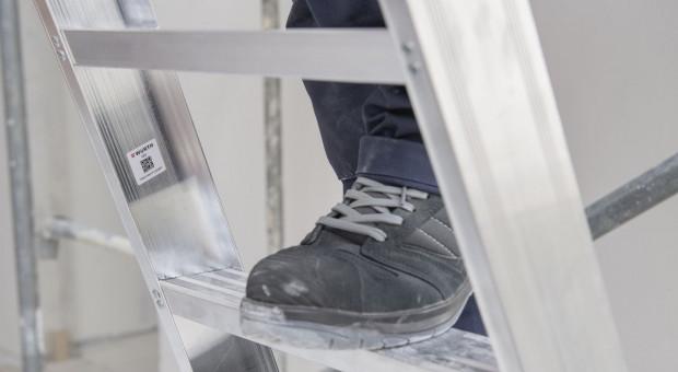 Jak dobrać prawidłową wysokość drabiny do zakresu wykonywanych prac?