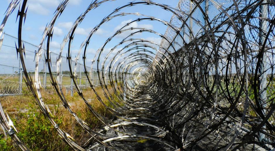 Premier: Wznoszenie płotu na granicy z Białorusią potrwa do kilkunastu tygodni