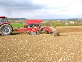 Siewniki Fenix polskiej Unii są dostępne także wwersji 6-metrowej. Maszyny mogą pracować wsystemie rolnictwa precyzyjnego