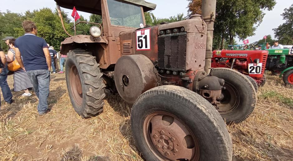 Wyścigi starych traktorów Kramp Race - tu liczy się zabawa (video)
