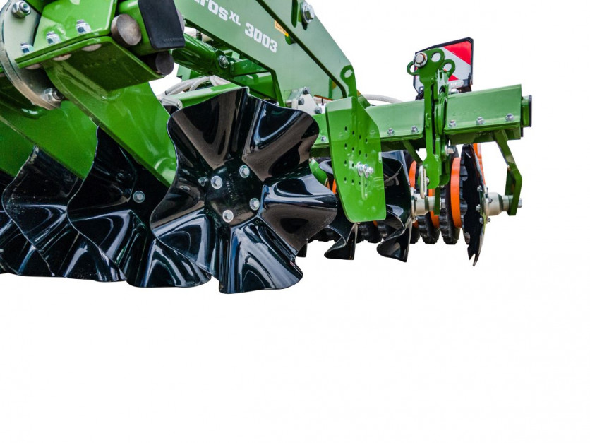 Nowy Talerz X-Cutter o średnicy 480 mm pracuje optymalnie na głębokości roboczej od 2 do 8 cm fot. mat. prasowe