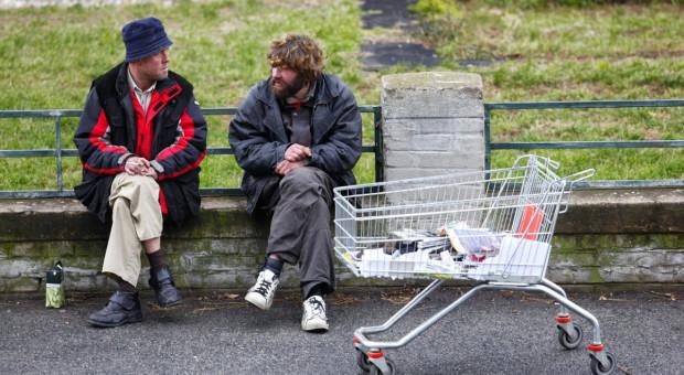 Zmuszali bezdomnych do niewolniczej pracy na roli