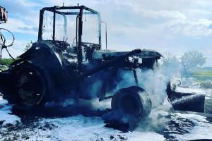 Ciągnik doszczętnie spłonął
