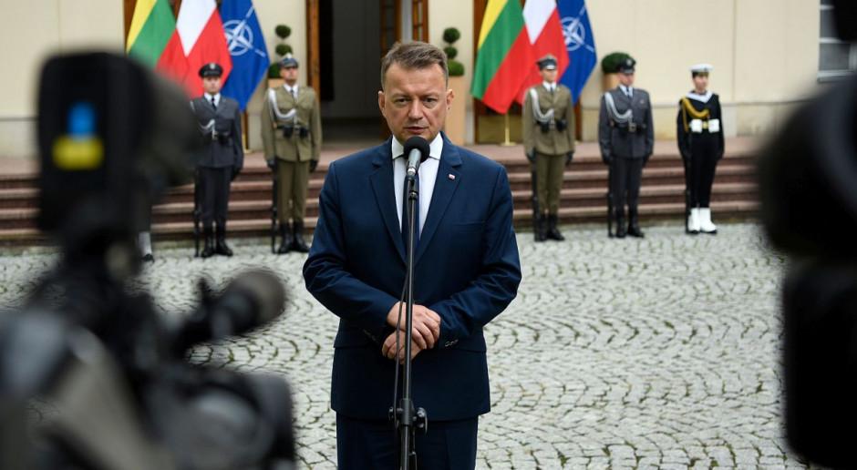 Błaszczak o granicy polsko-białoruskiej: położono ponad 130 km zasieków wojskowych