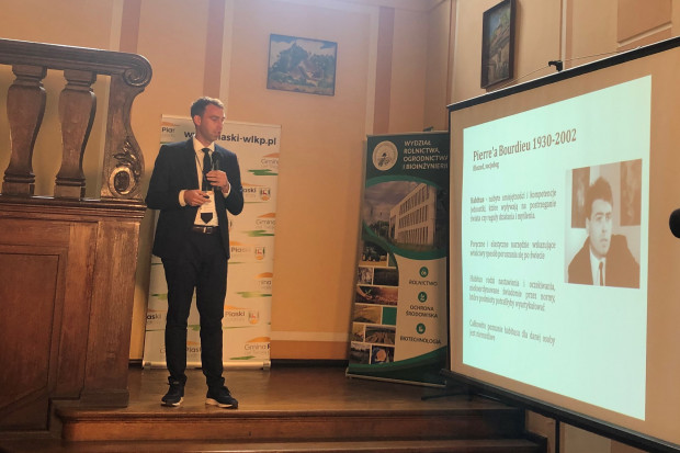 Dr inż. Stanisław Świtek podkreślił, iż na terenach rolniczych ochrona środowiska często przegrywa z odwiecznym dylematem