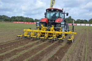 Pokazy pielników mechanicznych podczas Agro Show 2021