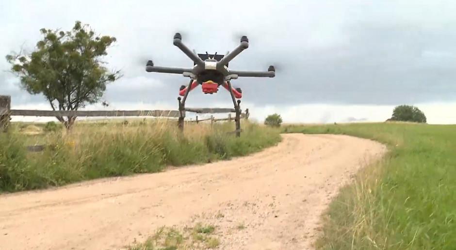 Drony do oprysków i pracy w trudno dostępnych terenach