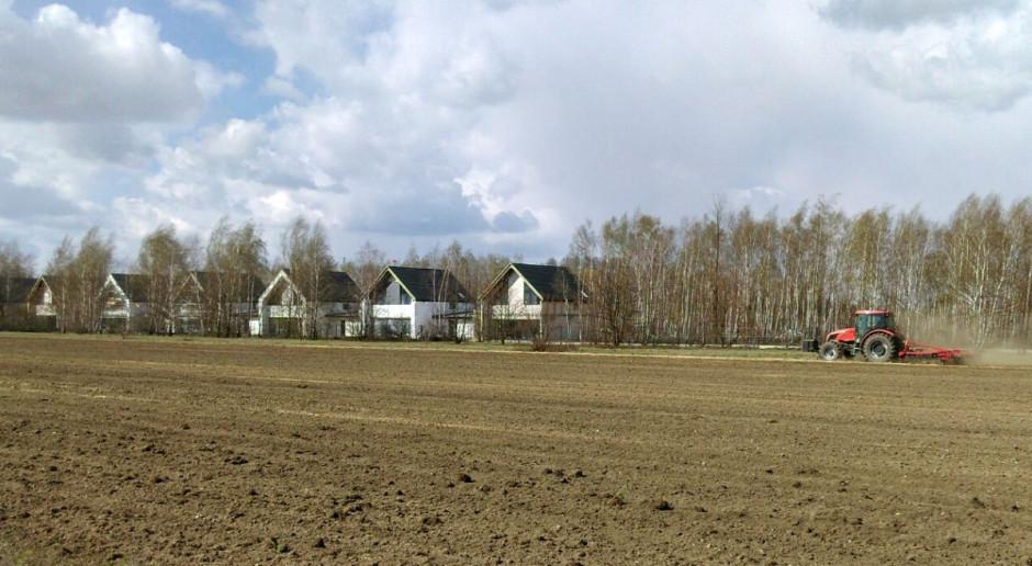 Nowelizacja o ochronie gruntów nie dla rolników, a dla deweloperów?