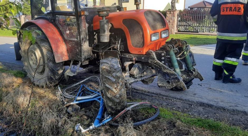 Rowerzysta zginął pod kołami ciągnika