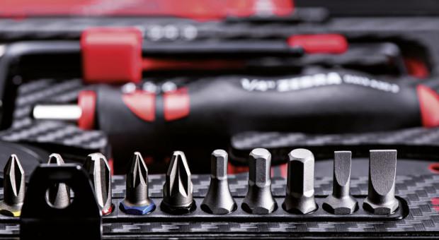 Na jakie parametry zwrócić uwagę przy wyborze narzędzi ręcznych?