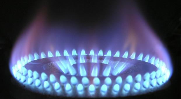Śledztwo wobec Gazpromu i uwolnienie uprawnień CO2 możliwą reakcją KE na wzrost cen energii