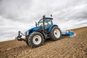 New Holland modyfikuje ciągniki serii T5